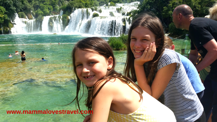www.mammalovestravel.com_ 5 Advantages of Travelling With Kids