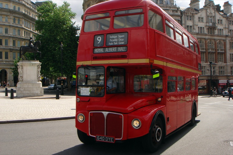 Red_double_decker_bus_in_London Top Things To Do With Kids In London