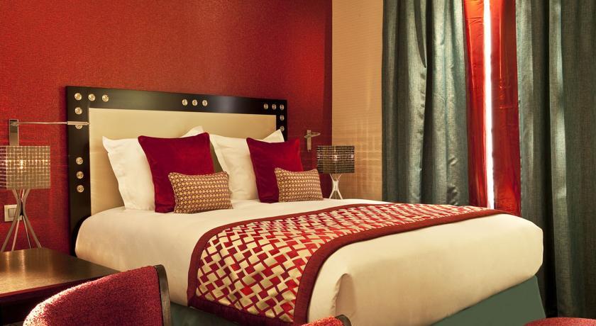 Hotel-le-Petit-Paris Best Hotels In Latin Quarter Paris 2017