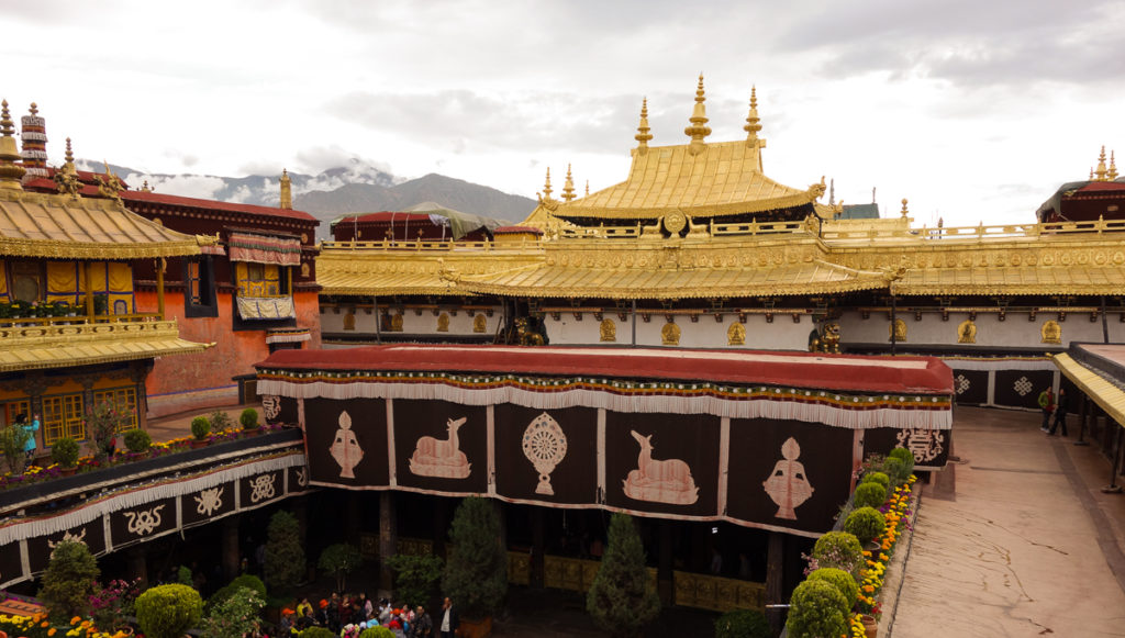 Jokhang_Temple_Lhasa_Tibet-1-1024x581 Amazing Places Of Worship From Around The World