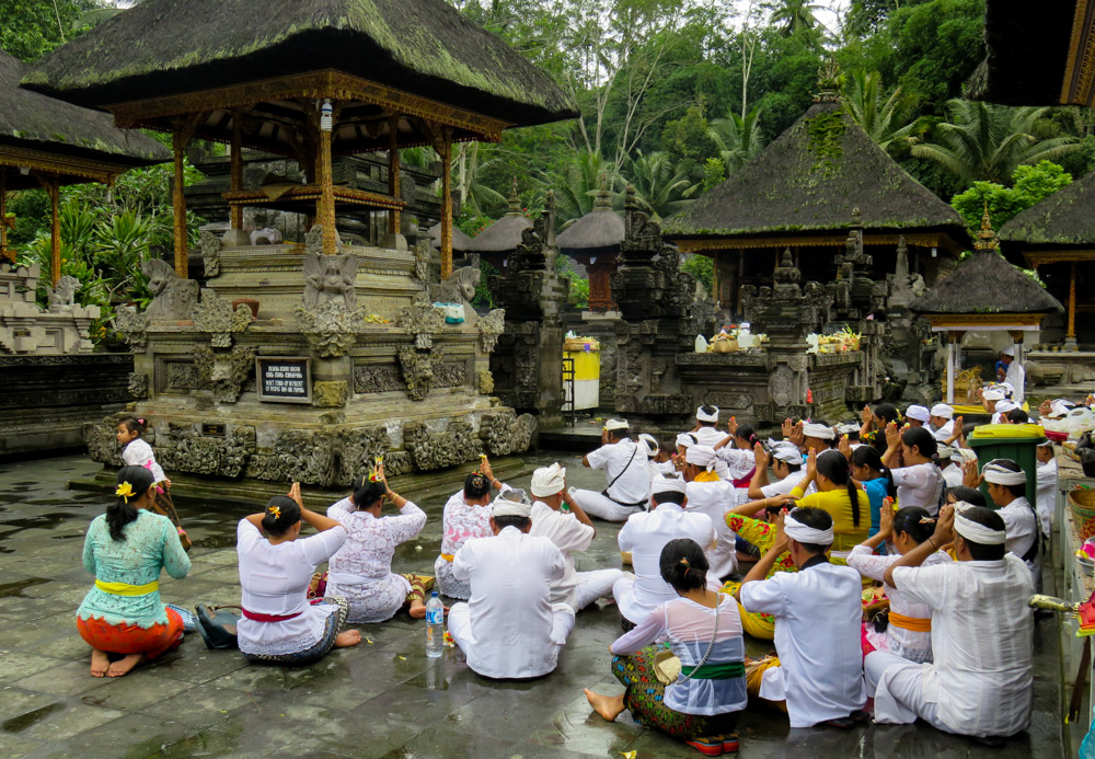 tirta-empul-ceremony Amazing Places Of Worship From Around The World